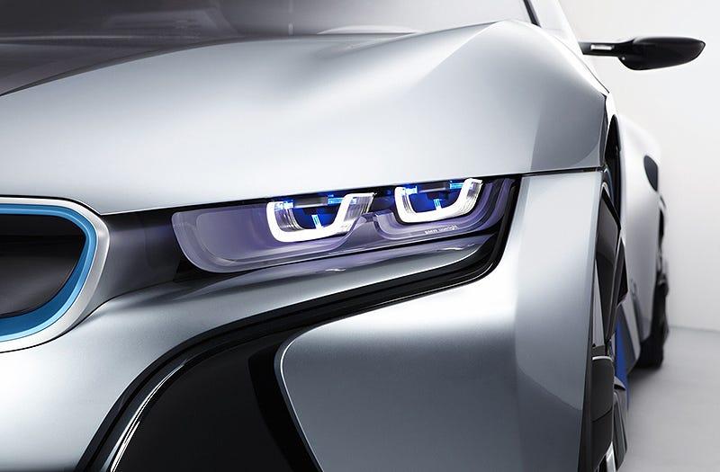 Illustration for article titled BMW introduce los primeros faros láser para el automóvil