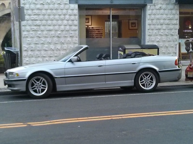 Illustration for article titled Spotted: 7-Series Convertible