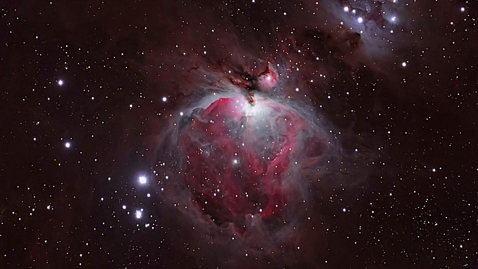 Viaja a la nebulosa de Orión con este truco de zoom óptico