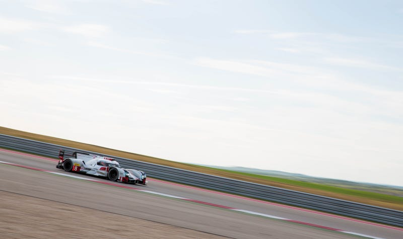 Illustration for article titled This Is Your Lone Star Le Mans Uber-Huge Photo Gallery