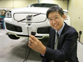 Illustration for article titled Plug-In Hybrids Will Not Kill The Power Grid, Yet
