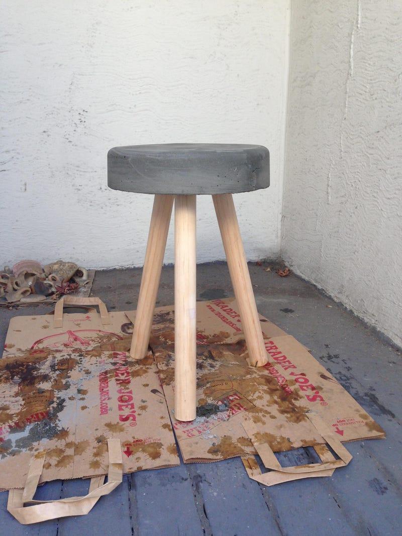 Illustration for article titled Concrete stool progress