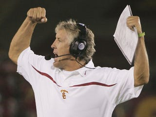 "Illustration for article titled USC Receiver's Dad to Pete Carroll: ""Treat My Boy!""; Grandma: ""You're Drama!"""