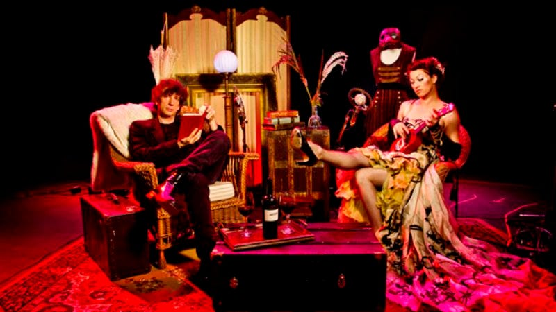 """Illustration for article titled Here's Neil Gaiman and Amanda Palmer performing """"Judy Blume"""" live together in 2011"""