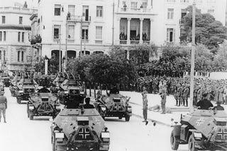 Illustration for article titled A görög kormány ledobta a nácibombát