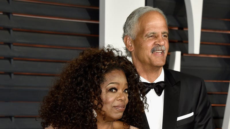 Actress/producer Oprah Winfrey (L) and businessman Stedman Graham attend the 2015 Vanity Fair Oscar Party on February 22, 2015 in Beverly Hills, California.
