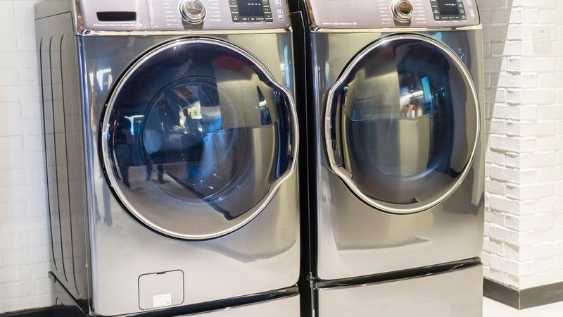 These laundromat units are safe; it's the top-loaders you have to watch out for. (Photo: Richard Levine/Getty Images)