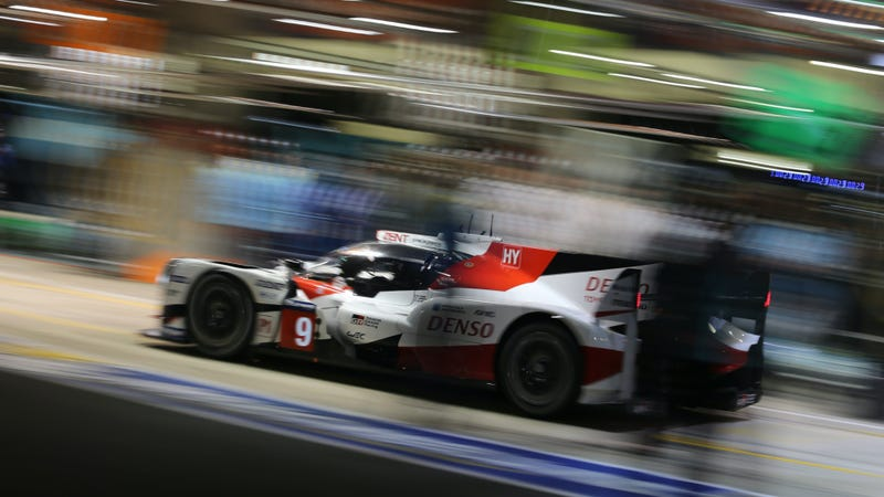 your guide to enjoying all 24 hours of le mans in 2017. Black Bedroom Furniture Sets. Home Design Ideas