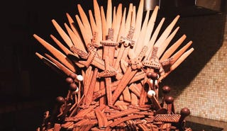 Illustration for article titled Gingerbread Iron Throne Is Worth Climbing A Wall Of Sugar For