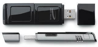 Illustration for article titled Novatel MC727 USB EV-DO Modem, World's Smallest, Has MicroSD Slot