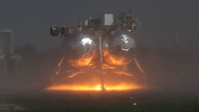 Illustration for article titled NASA's Morpheus Lander Could Use Space Waste to Make Its Own Fuel