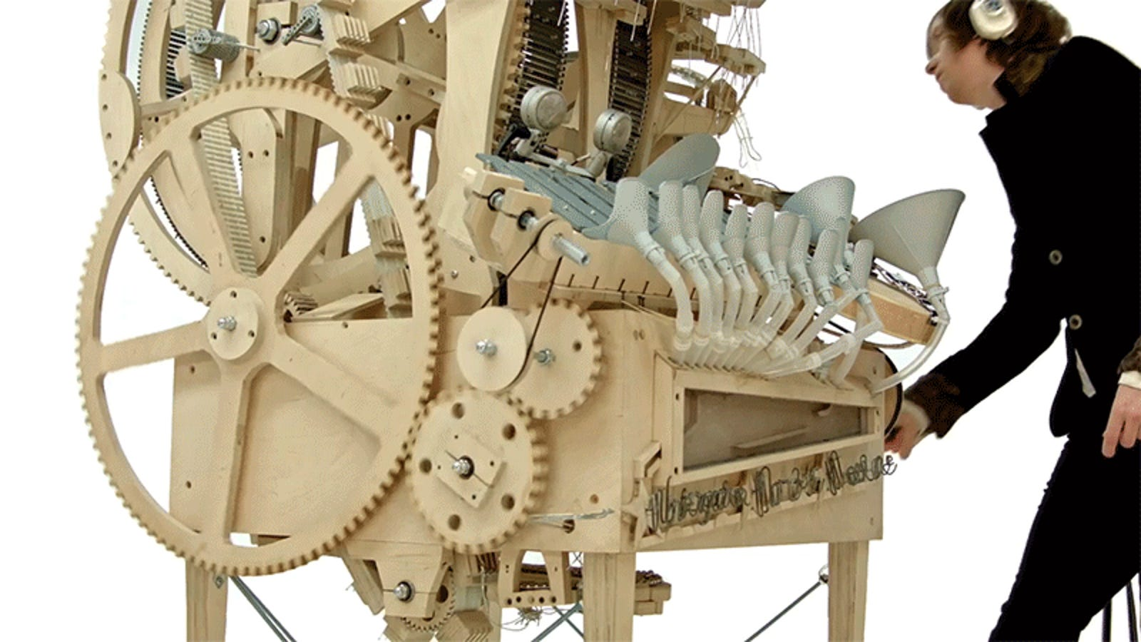 Wooden Hand-Cranked Instrument Runs on 2,000 Marbles