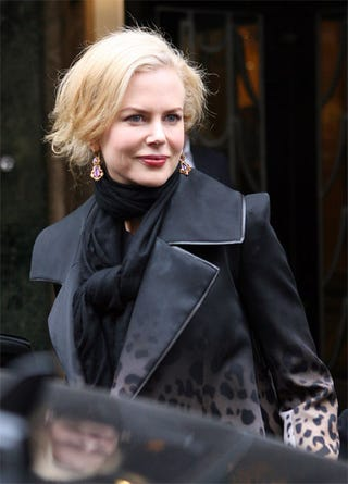 Illustration for article titled Nicole Kidman's Frozen Face, Short Cut