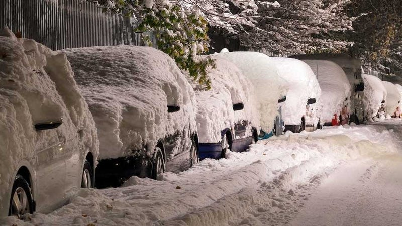 Illustration for article titled How Do You Get The Snow Off Of Your Car?