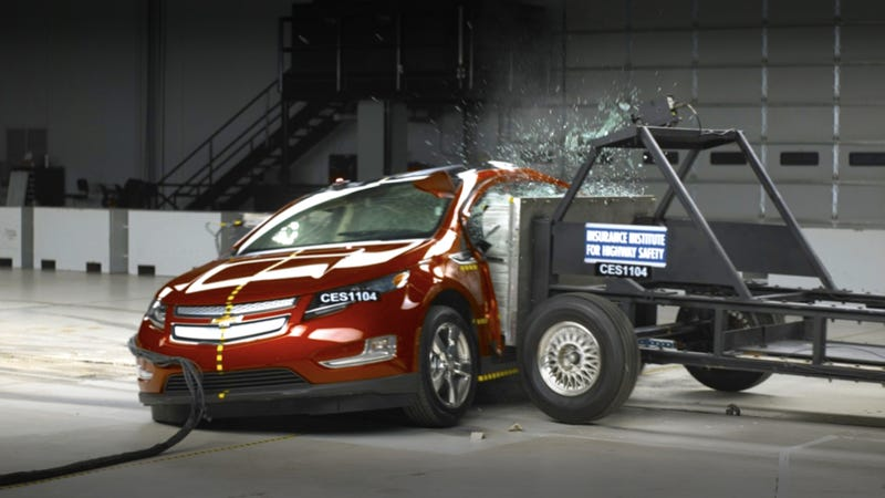 Illustration for article titled Chevy Volt fire explodes into federal investigation of electric car safety