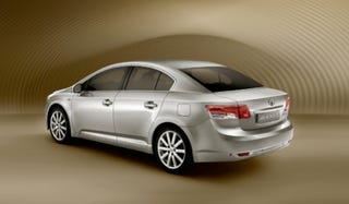 Illustration for article titled Toyota To Reveal New Avensis, Production iQ And AWD Urban Cruiser At Paris Motor Show