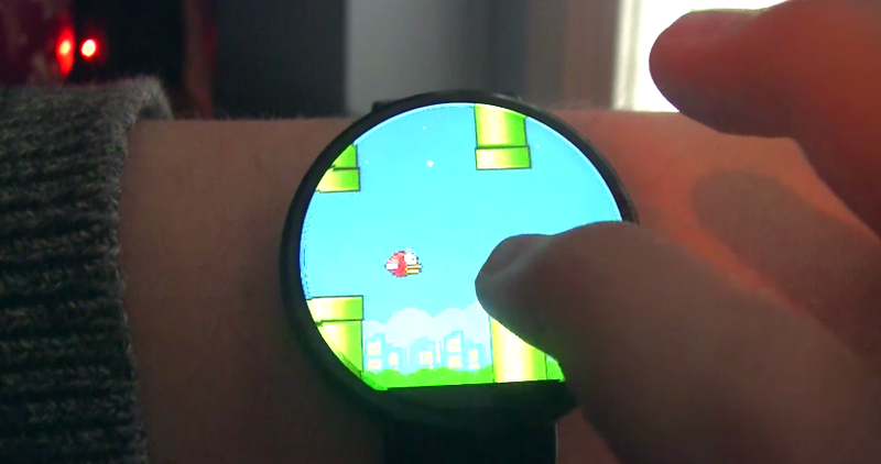 Illustration for article titled Era inevitable: ya puedes jugar a Flappy Bird en tu reloj Android Wear