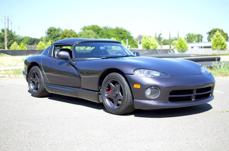 Illustration for article titled At $29,999, Will This 1996 Dodge Viper RT/10 Have You Shouting, Snakes Alive?