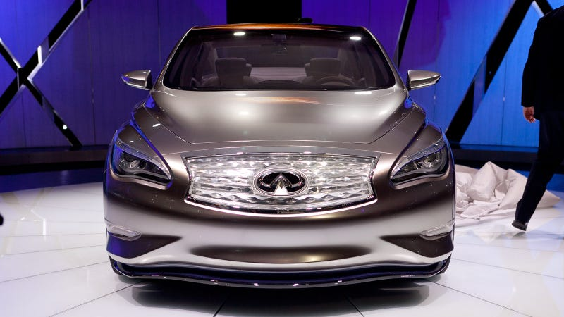 Illustration for article titled Infiniti LE Concept: First Photos