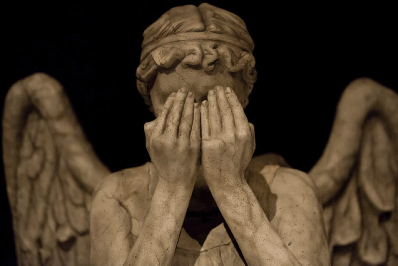 "Quantum ""Weeping Angel"" Effect Freezes Atoms in Place"