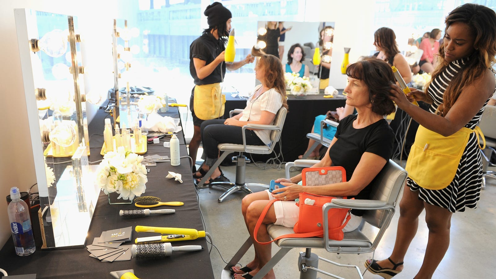 kujtao59xropdredpnxk - Beauty Parlor Are Still Too Sacred for the Tech World to Take Over
