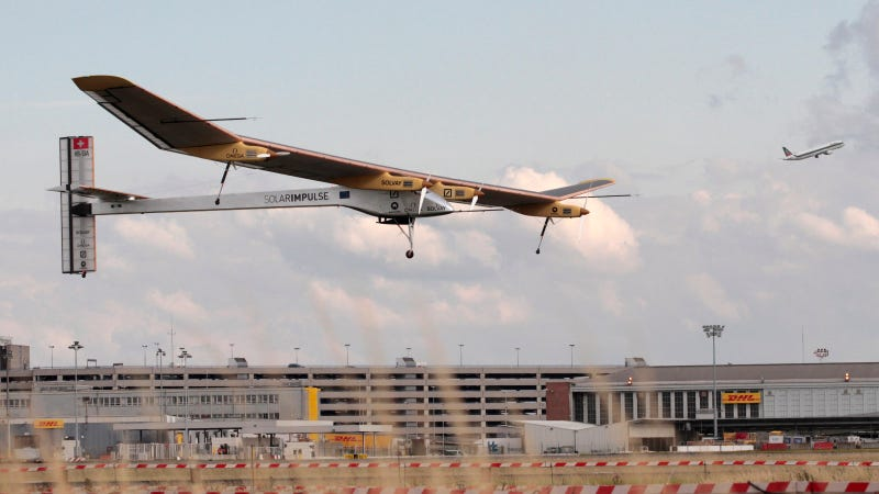 Illustration for article titled Solar Impulse Is Going to Circle the Earth Nonstop—Eventually