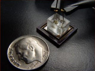 Illustration for article titled Scientists Develop Micro Microscope: Fits on a Chip, Costs $10