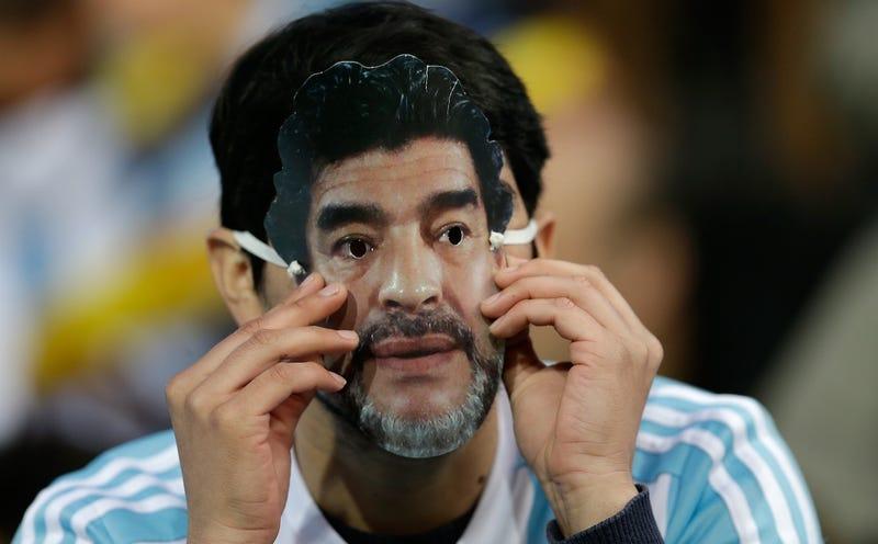 Maradona bryter mot svensk lag