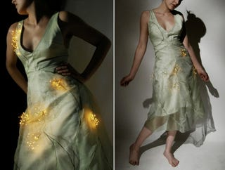 Illustration for article titled Wind-Sensitive LED Dandelion Dress Is Made for Pretty Night Fairies