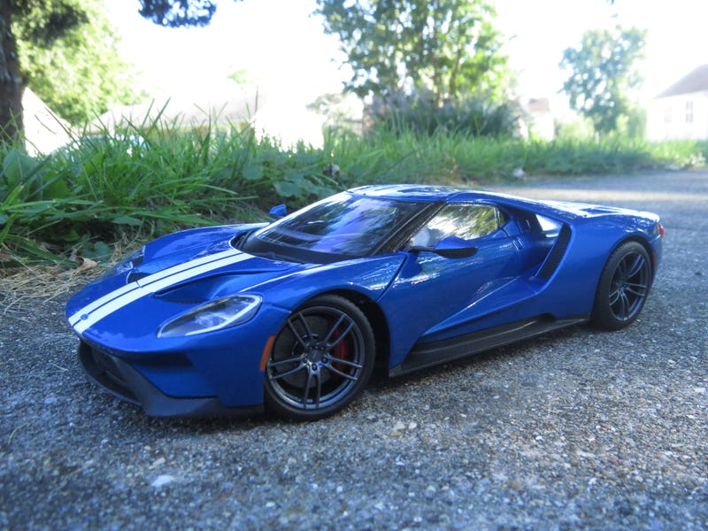 Illustration for article titled 1/18 2017 Ford GT by Maisto