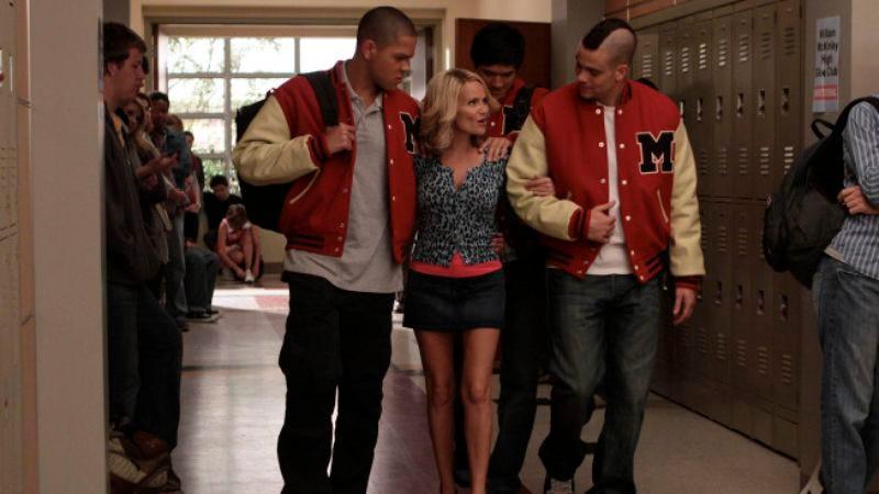 "Illustration for article titled Glee: ""The Rhodes Not Taken"""