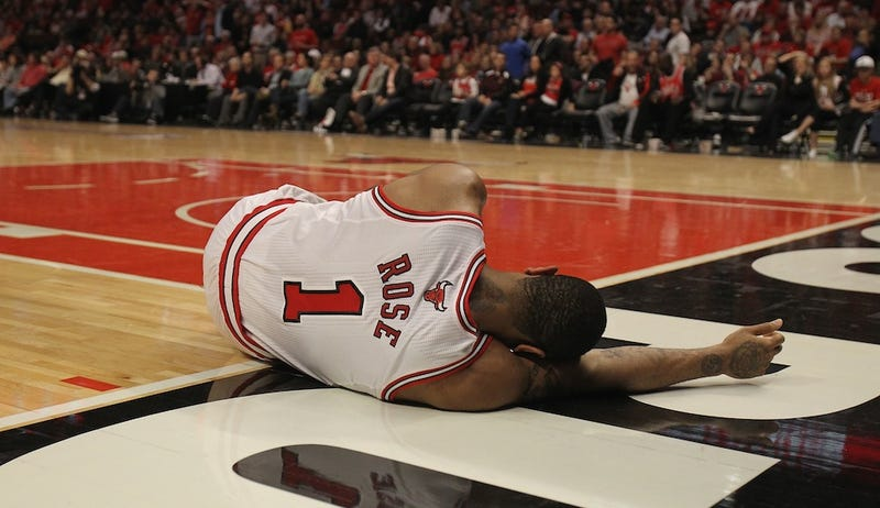 Illustration for article titled Sad Derrick Rose, Likely Out For Season, Gets Sued By Newly Obese Fan