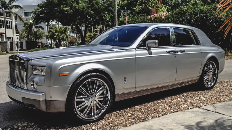 Illustration for article titled You Can Buy A Rolls Royce Phantom For The Price Of An S-Class, But Would You?