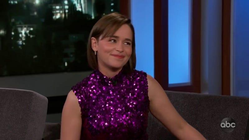 """Illustration for article titled Emilia Clarke dice que el episodio 5 de Juego de Tronos va a ser """"más grande"""" que el 3"""