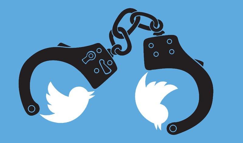 Illustration for article titled Dos años de cárcel para una tuitera que hacía chistes sobre las víctimas de ETA