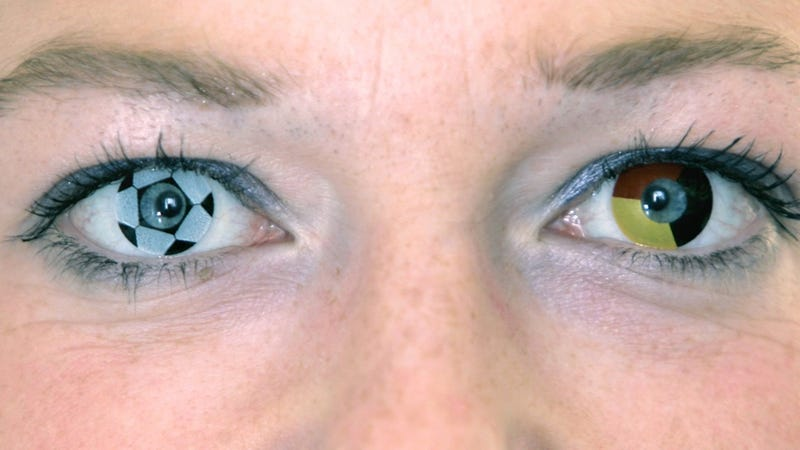 Illustration for article titled Color Contact Lenses Could Cause Cornea Ulcers, Other Horrors