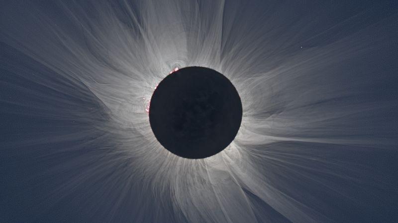 Illustration for article titled Sigue en directo el eclipse total de Sol más importante de los últimos 40 años