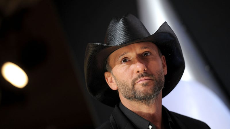 Illustration for article titled Tim McGraw Slaps Woman in Face After She Reportedly Slaps His Crotch