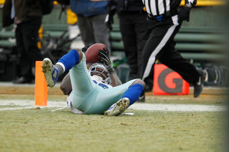 Illustration for article titled Imprisoned Cowboys Fan Sues NFL For $89B For Reversing Dez Bryant Catch