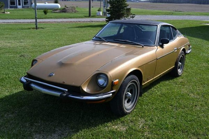 is 4 500 too much for this vinyl topped datsun 260z. Black Bedroom Furniture Sets. Home Design Ideas