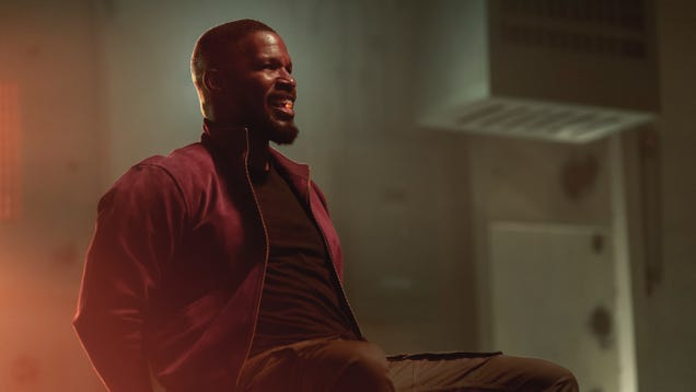 Jamie Foxx Fights a Superpowered Drug Ring in the First Trailer for Project Power