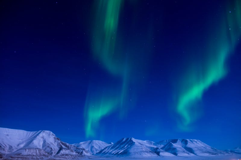 Illustration for article titled A Brilliant Glimpse of the Aurora Borealis Dancing in the Sky Near the North Pole