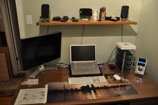 Illustration for article titled Before and After: The Benefits of Basic Tidying and Cable Management