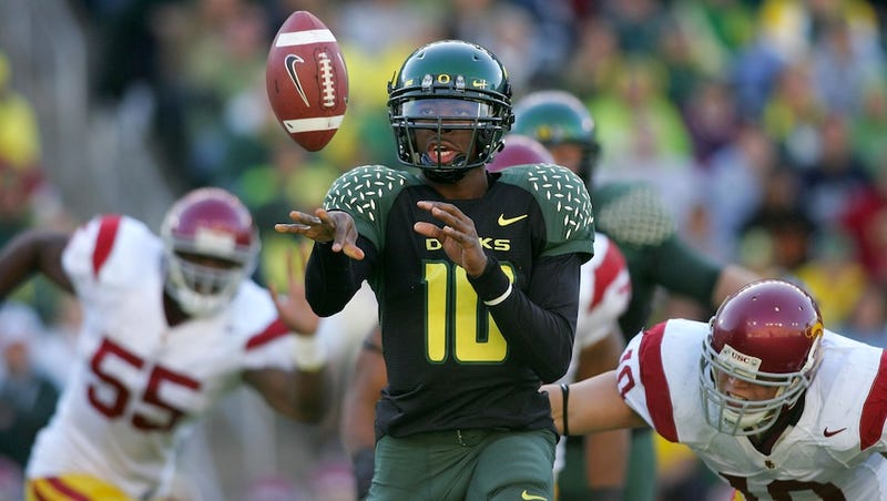 Illustration for article titled The Specialists: What's In It For Oregon's Quarterbacks?