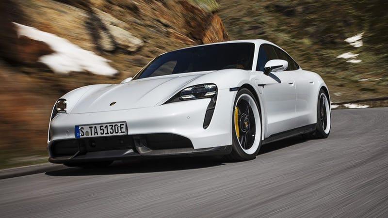 Illustration for article titled Once again Porsche picks Horrible Headlights