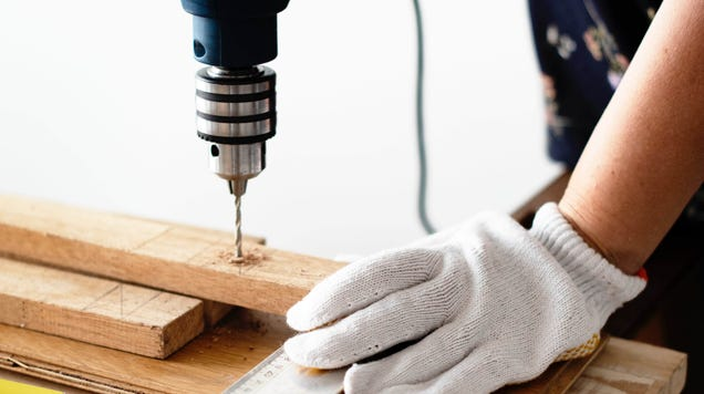How to Decide When to DIY and When to Hire a Professional