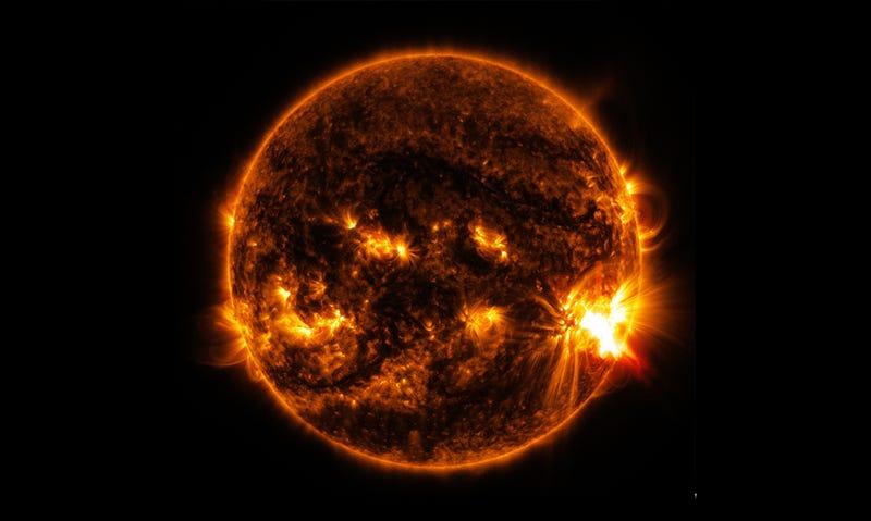 Erupción solar clase X (vía NASA).