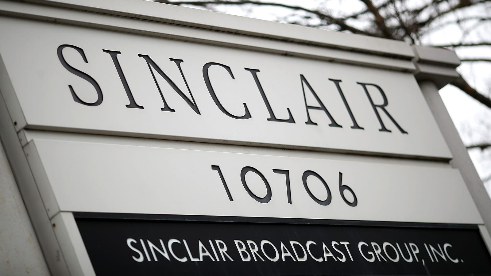 FCC Reportedly Planning to Change Rules to Save Sinclair's Takeover of Local News