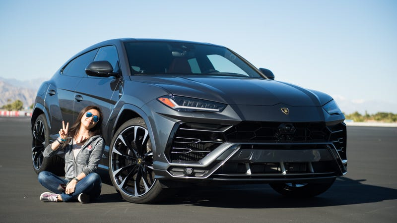 The Lamborghini Urus Wearing 23 Inch Wheels Is The Same As A Short