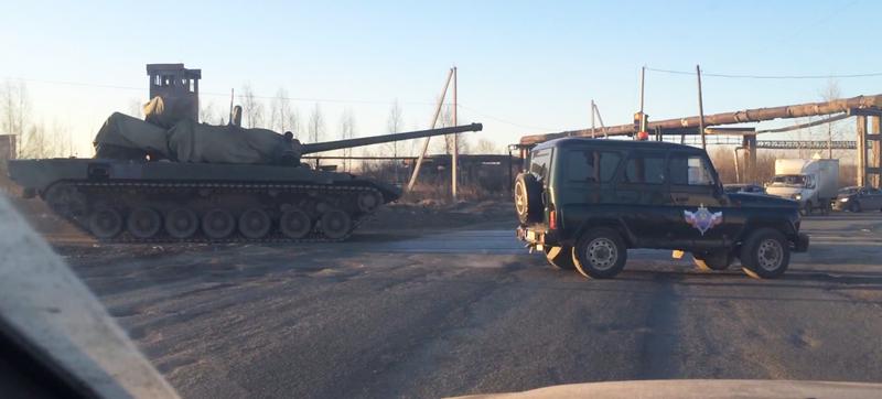 Illustration for article titled Cazan en vídeo al posible próximo supertanque ruso, el T-14 Armata